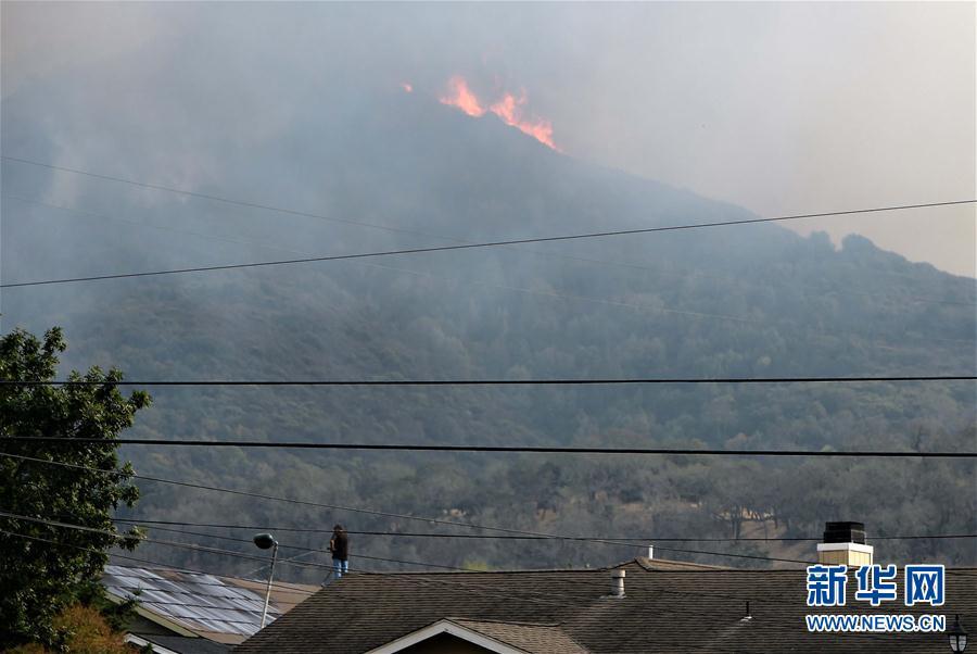 (国际)(1)美国加州森林大火持续蔓延