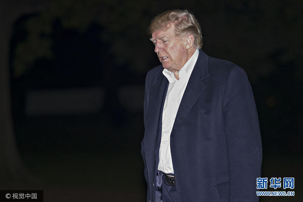 美国:特朗普结束亚洲行深夜返回白宫 似有倦意