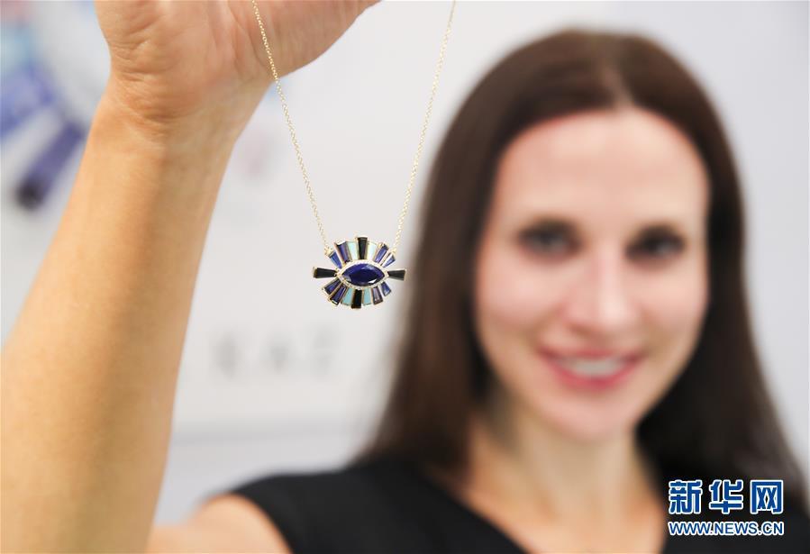 (國際)(1)紐約舉行春季珠寶展