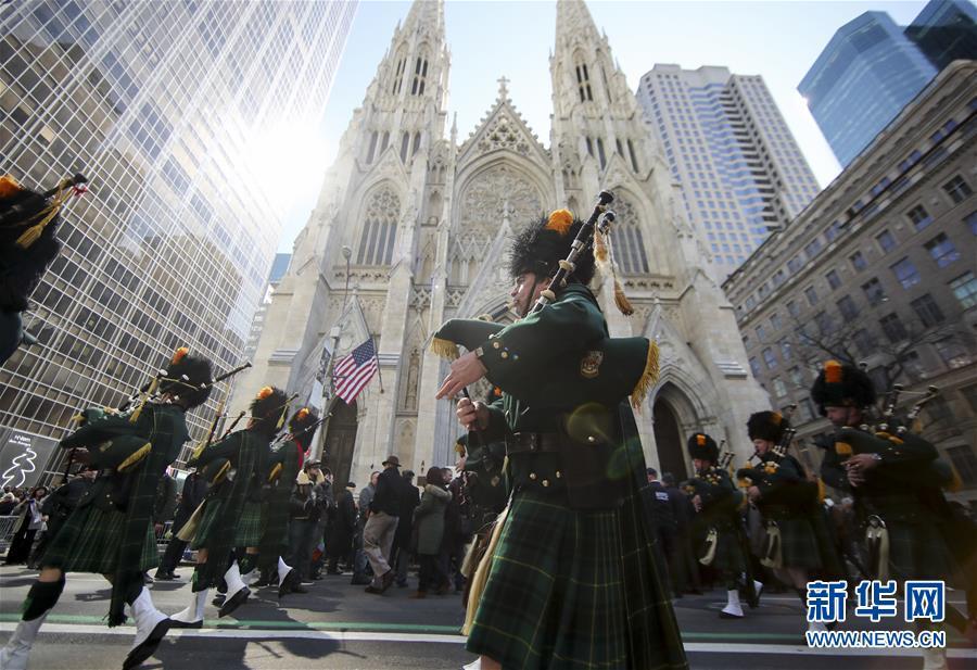 (國際)(1)紐約舉行聖帕特裏克節大遊行