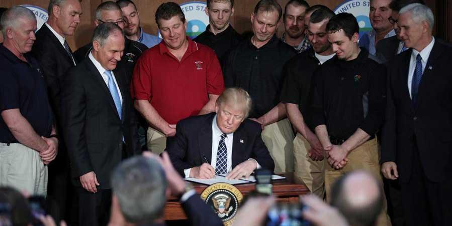 特朗普簽署旨在推翻奧巴馬政府時期氣候政策的行政命令