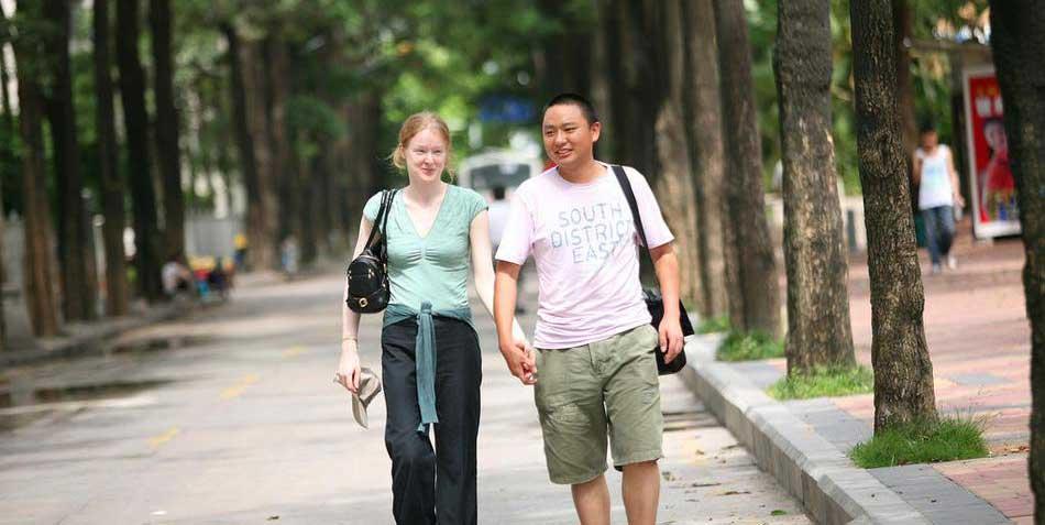 哈佛女生為啥要嫁中國保安小夥?