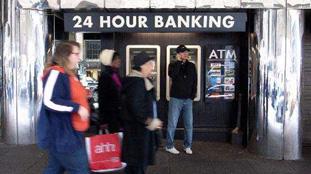 美媒:三分之二美國人為錢睡不著覺