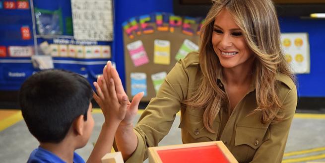 """美國""""第一夫人""""隨特朗普出訪沙特 與兒童互動"""