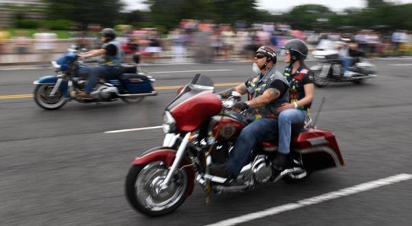 """華盛頓舉行""""滾雷""""摩托車大遊行"""