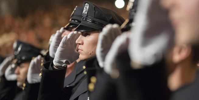 紐約警局400多名警員畢業典禮舉行