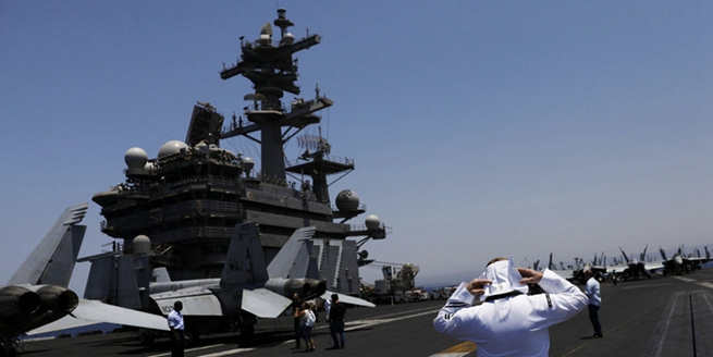 """美""""喬治布什""""號航母時隔17年首訪以色列 以總理登航母參觀"""