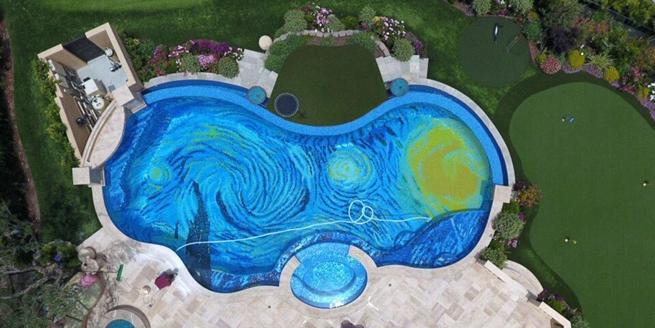 夏日清涼泳池不走尋常路 這些奇葩顛覆你想象!
