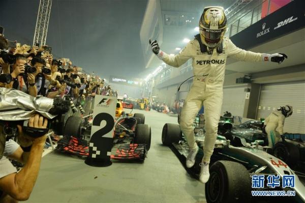 F1新加坡大獎賽:漢密爾頓奪冠