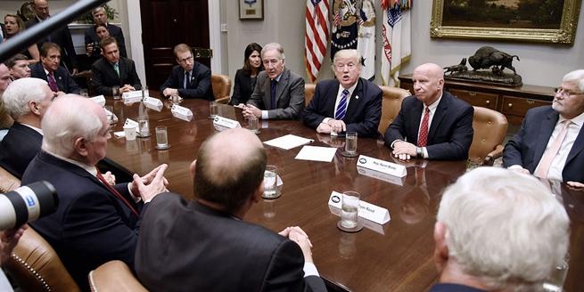 美國總統特朗普召開會議討論稅改 或于27日公布稅改架構