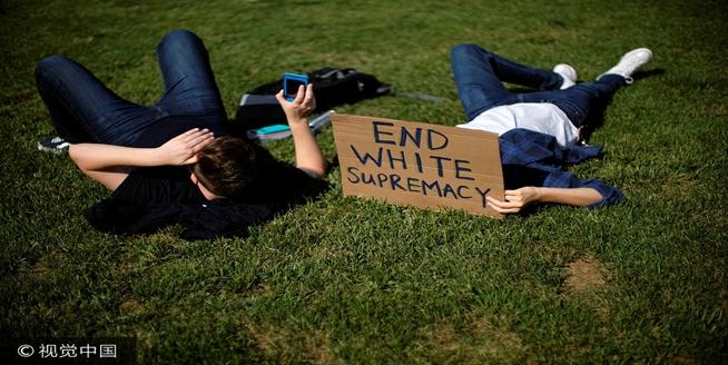 華盛頓示威者遊行呼吁種族平等