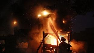 加州大火致11人死亡 火勢仍在迅猛擴散
