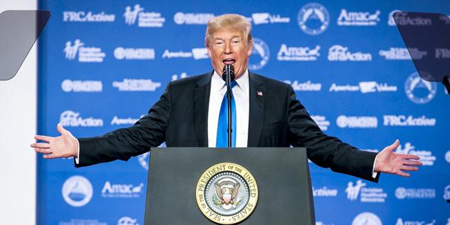 """特朗普出席""""價值取向選民峰會""""並致辭"""