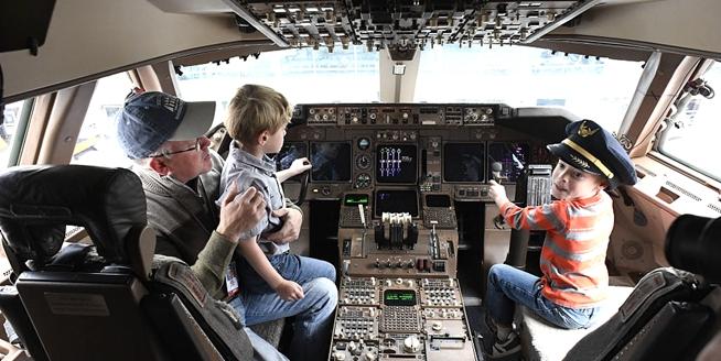 """美聯航""""波音747""""將全部退役 告別之旅座位按裏程拍賣"""