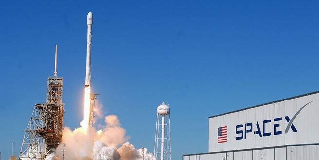 """美國""""獵鷹9號""""火箭成功為韓國企業送通訊衛星入軌"""