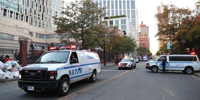 紐約曼哈頓發生卡車撞人恐怖襲擊事件8人死亡