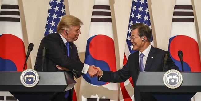 韓國總統文在寅與特朗普舉行雙邊會晤