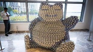 美國紐約舉行罐頭雕塑大賽