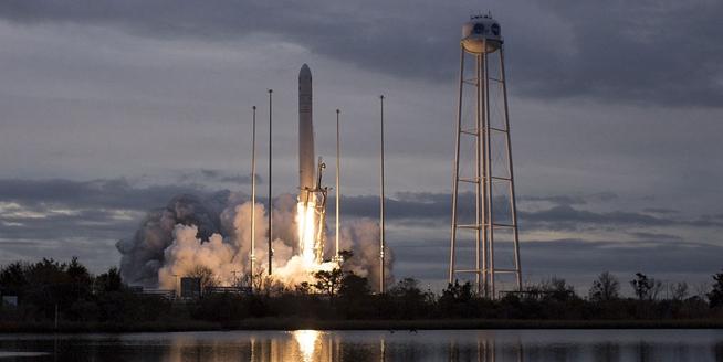 美國向國際空間站發射食物補給飛船