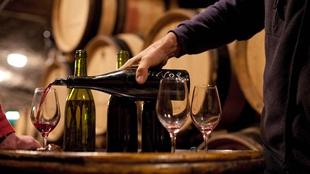 葡萄酒釀造史可追溯到公元前6000年