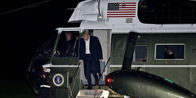 特朗普結束亞洲行深夜返回白宮 似有倦意