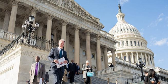 美眾議院通過稅改法案 特朗普離稅改成真又近一步