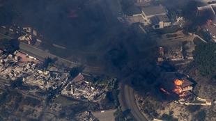 俯拍美國加州大火 現場濃煙滾滾