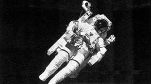 太空漫步宇航員去世