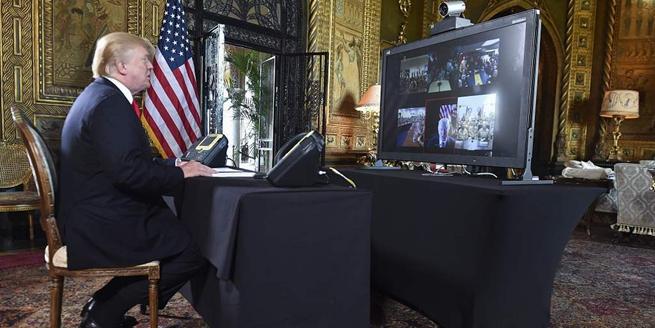 美國總統特朗普電話連線多地軍隊官兵