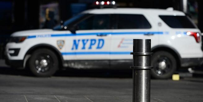 """紐約時代廣場裝""""永久屏障"""" 以防汽車撞人"""