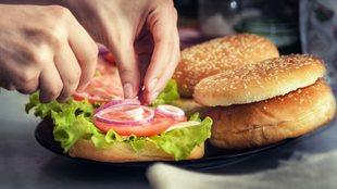 """波士頓餐廳推""""訂婚戒指漢堡"""""""