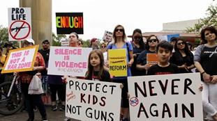400城控槍大遊行撼動美國 學生發出吶喊